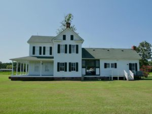 2.4 Acres with Hunting Lodge for Sale in Hyde County NC!